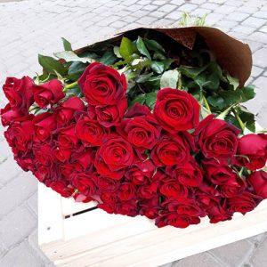 букет 101 червона роза на день народження
