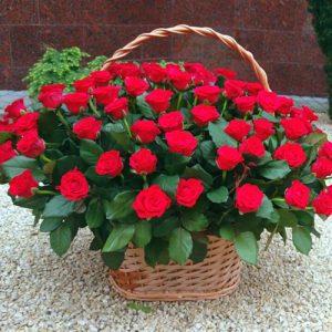 101 червона троянда в кошику на весілля, день народження, ювілей
