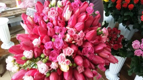 Фото товара Микс тюльпанов и кустовой розы в Ужгороде