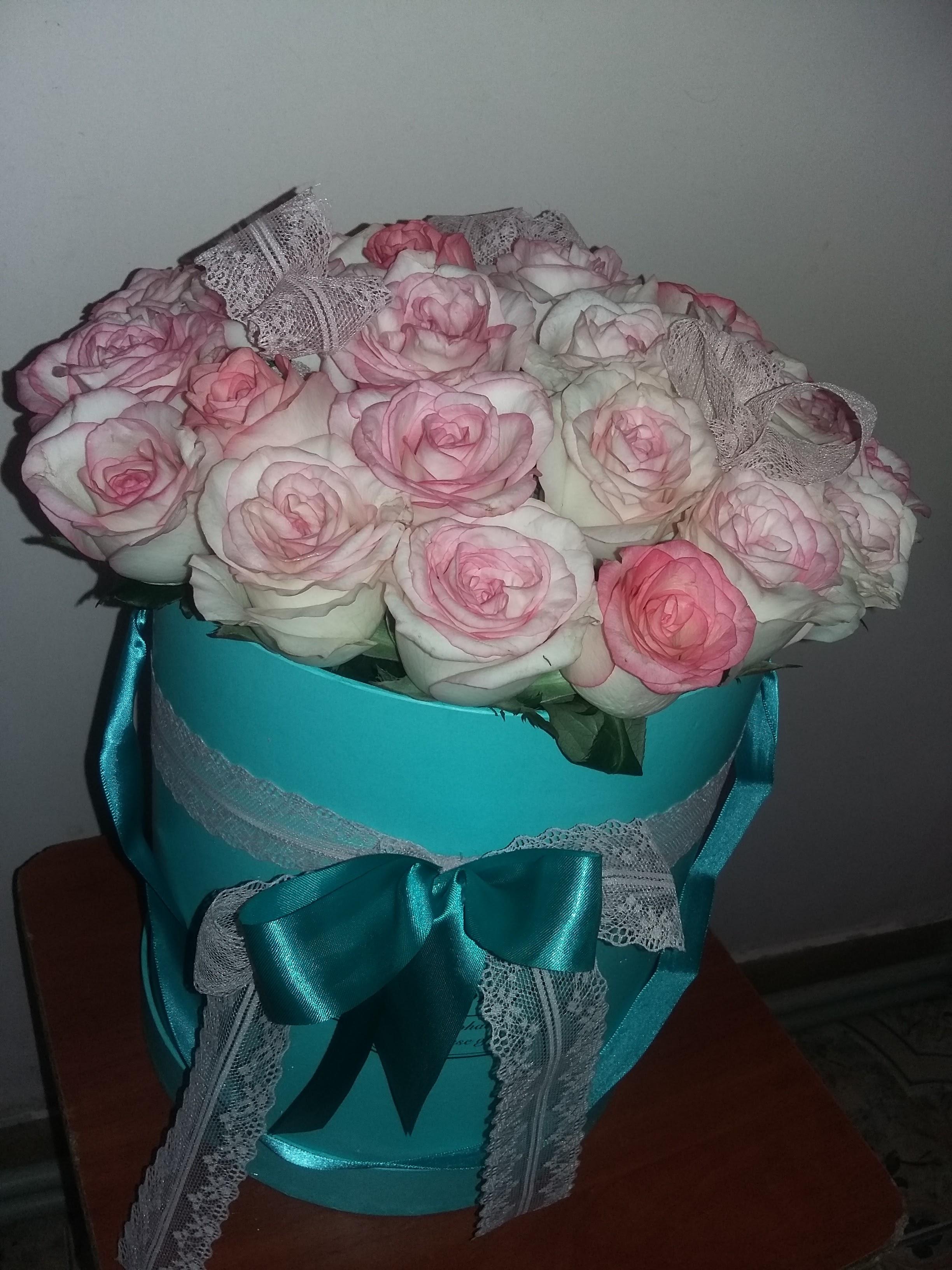 Фото товара 21 элитная розовая роза в коробке в Ужгороде