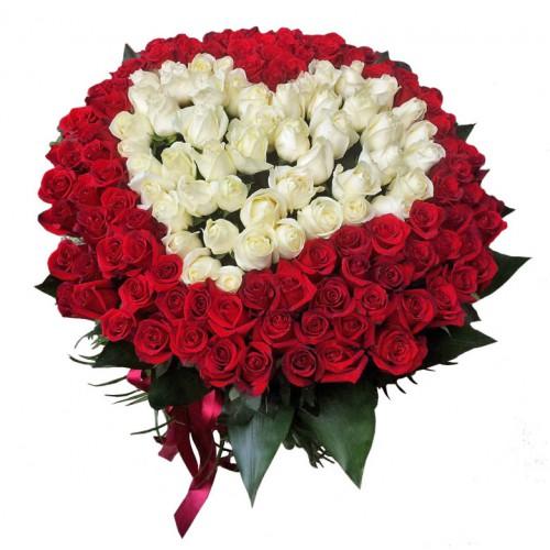 Фото товара 101 роза сердце (белая и красная) в Ужгороде