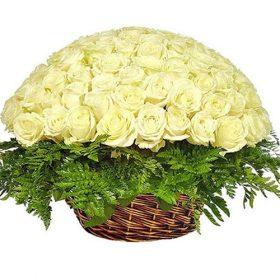 Кошик 101 біла троянда фото товару