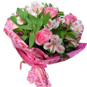 Рожевий колір мікс квітів фото