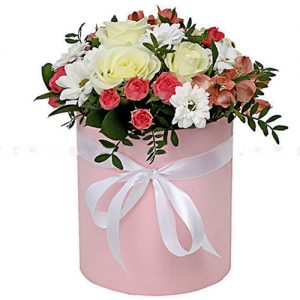 """Капелюшна коробочка """"Рожева"""" мікс квітів"""