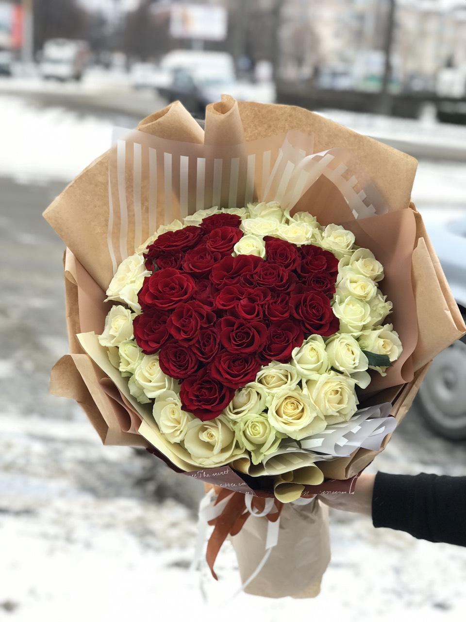 Подарувати серце з квітів