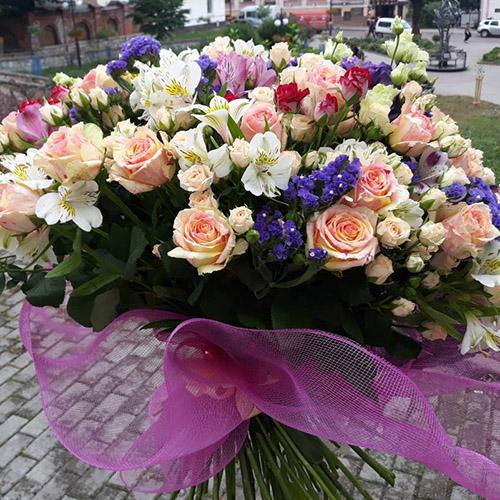 великий букет квітів на день закоханих фото