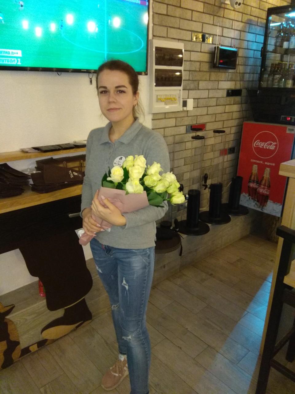 Фото товара 15 белых роз
