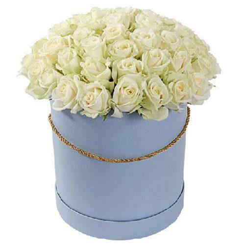 Фото товара 51 троянда біла в капелюшній коробці в Ужгороде