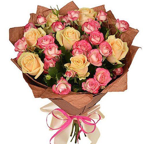 Фото товара Кремова троянда та спрей в Ужгороде