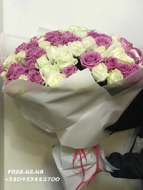фото микс букет из белых и розовых роз