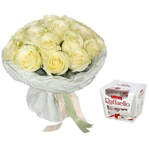 """Фото товара Букет """"Сніжна троянда"""" та Raffaello в Ужгороде"""