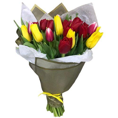 Фото товара 21 червоно-жовтий тюльпан у подвійній упаковці в Ужгороде