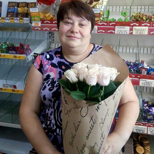 Букет роз в Ужгороде на день матери
