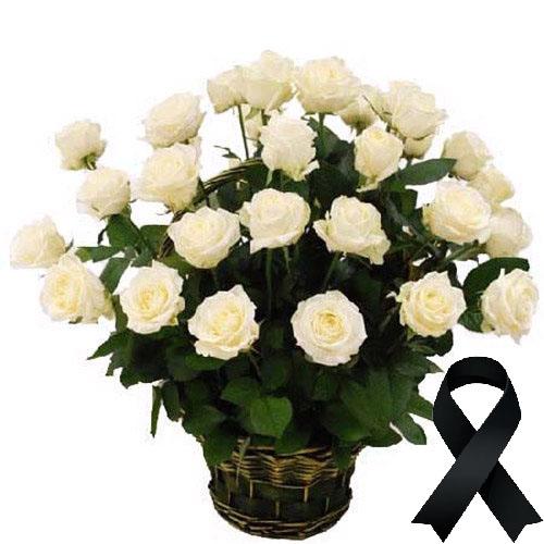 Фото товара 36 білих троянд у кошику в Ужгороде