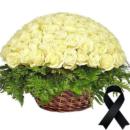 Фото товара 100 білих троянд у кошику в Ужгороде
